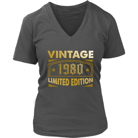 Women's Vintage 1980 38 Year Old Birthday Gift V-Neck T-Shirt