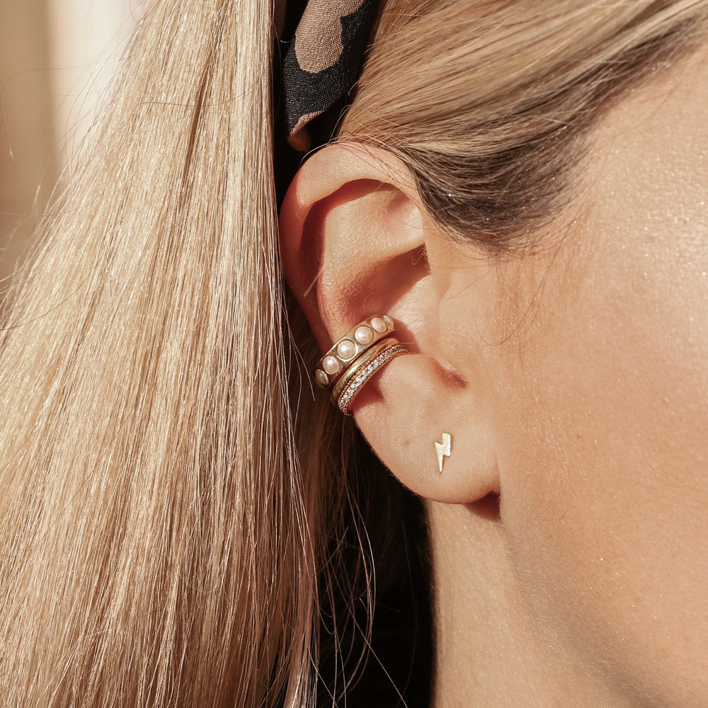 Ear Cuff Simple Bañado en Oro - Zazü