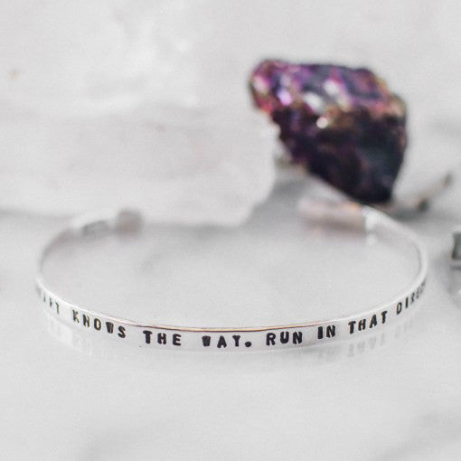"pulsera delgada ""your heart knows the way, run in that direction"""