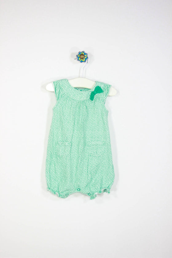 Carter's Size 6M One Piece