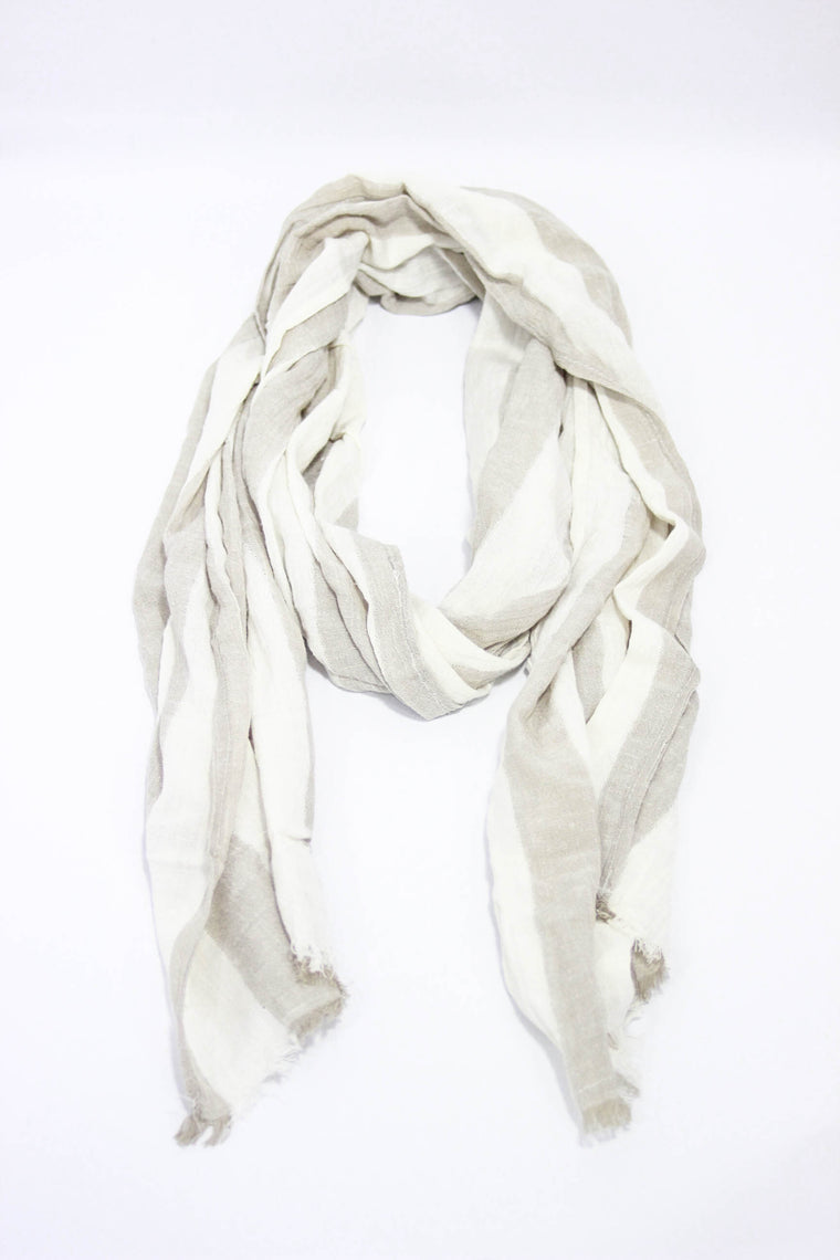 Kind Gestures White/Tan Scarf