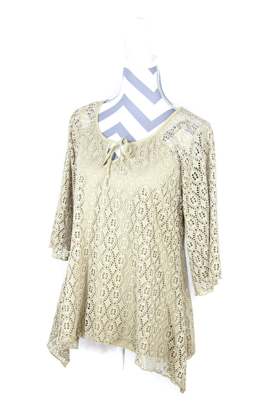 New Directions Size Large Overlay Eyelet Top
