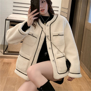 A35A White Wool Warm Female Coat