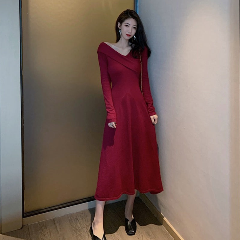 A16D Over-the-knee Knitted Dress