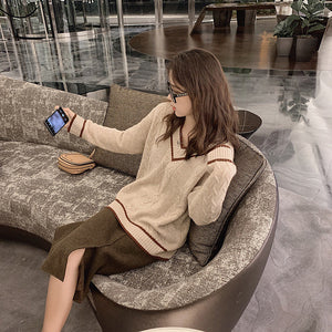 Lazy V-neck Long-sleeved Pullover