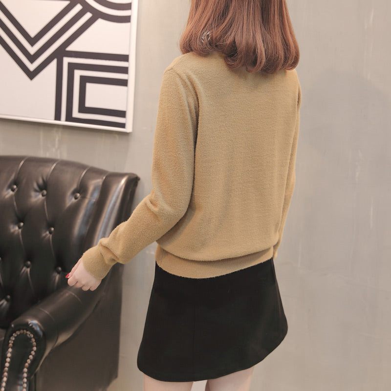 A13W Lace-Neck Ruffled Bottoming Sweater