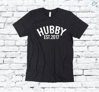 Hubby Established Date Print Men's Crew Neck Father T-shirt Graphic Tee Custom Soft Relaxed Shirt Retail Fit Tee
