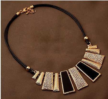 Trendy Women Necklaces & Pendants