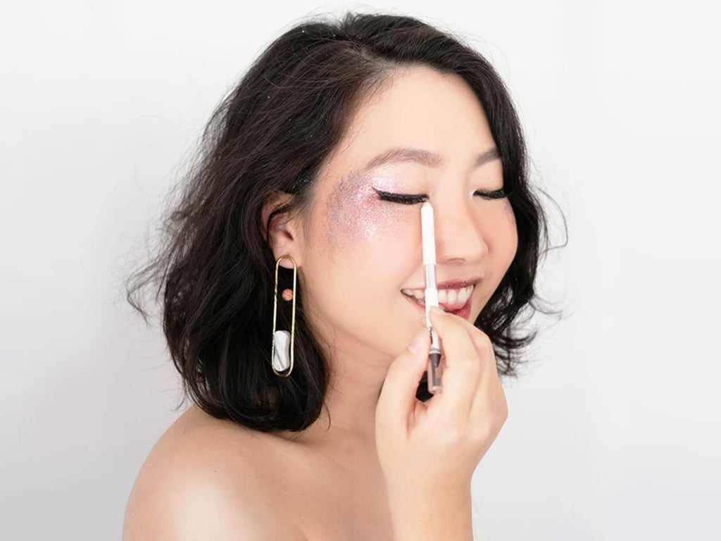 FESTIVAL-READY LOOK: GLITTER & SILVER CAT EYE