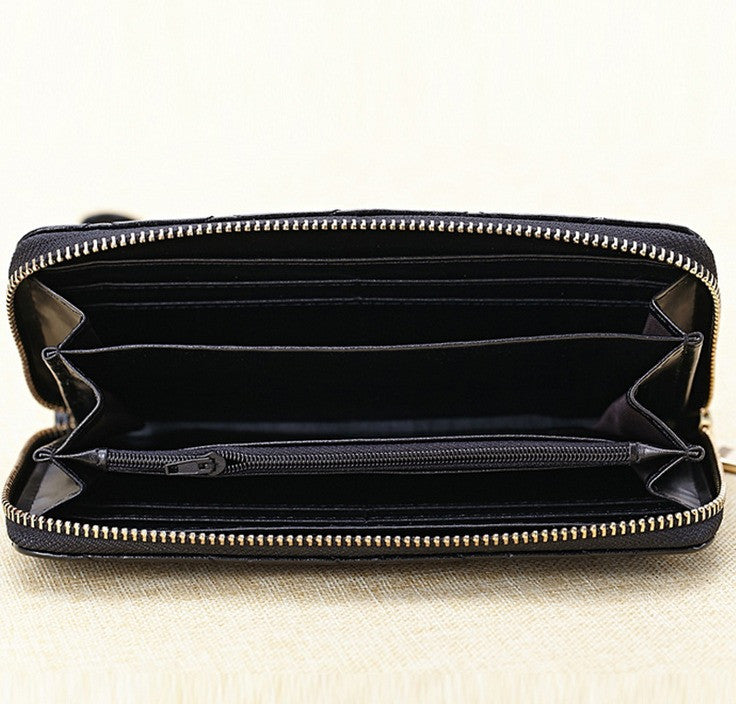inside f ladies black genuine leather diamond design leather purse with wrist strap