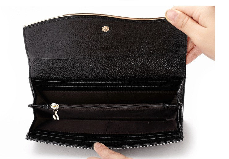 inside of ladies genuine leather purse