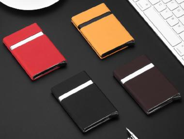 Retro Slim wallets holds cash and cards