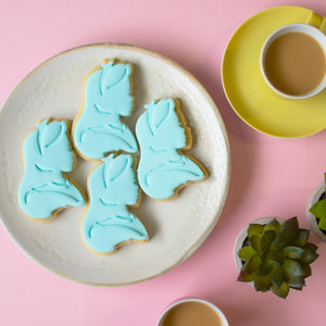 alice's adventures in wonderland - alice kingsley cookies with fondant