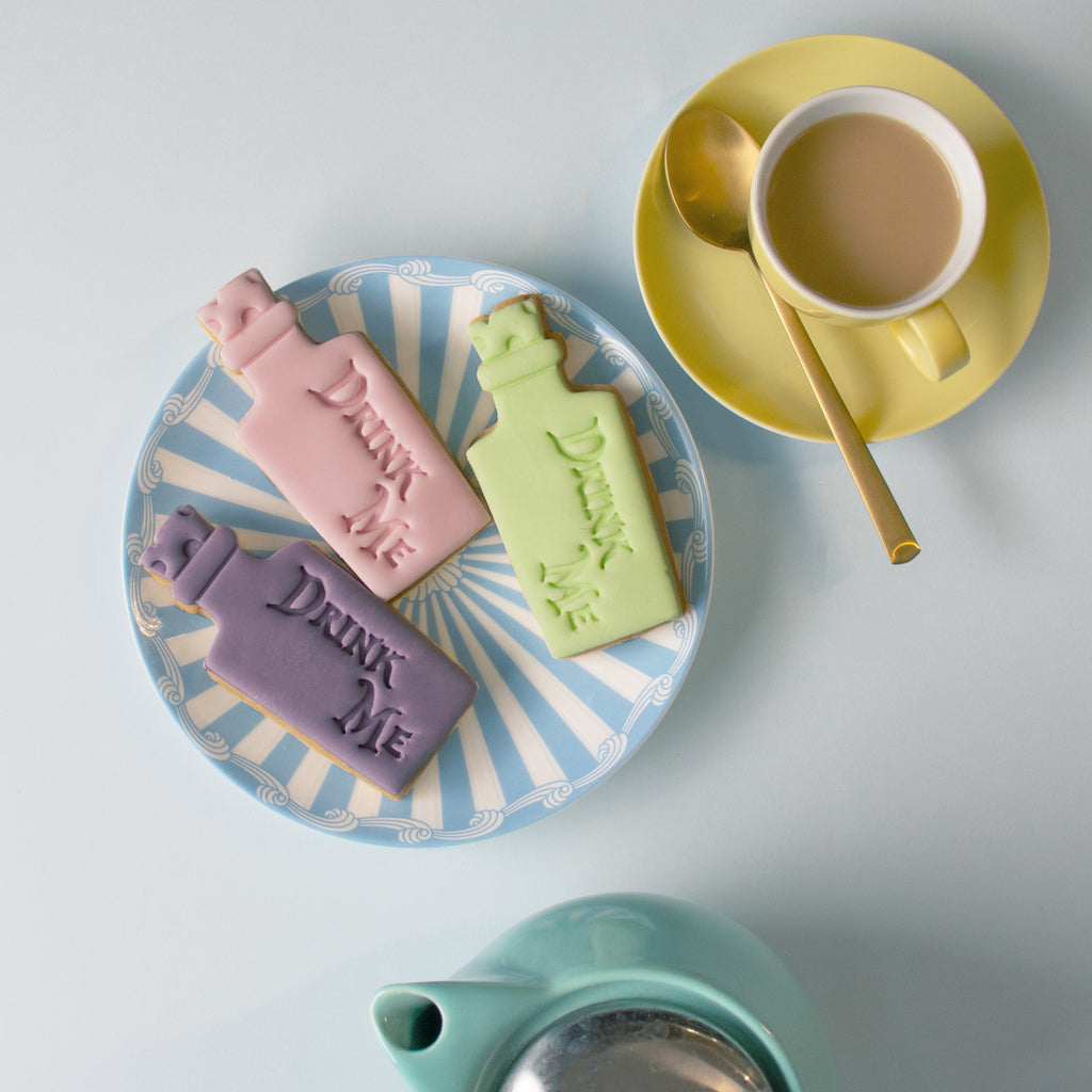 alice's adventures in wonderland - drink me cookies with fondant