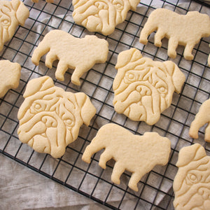 english bulldog face and silhouette cookies