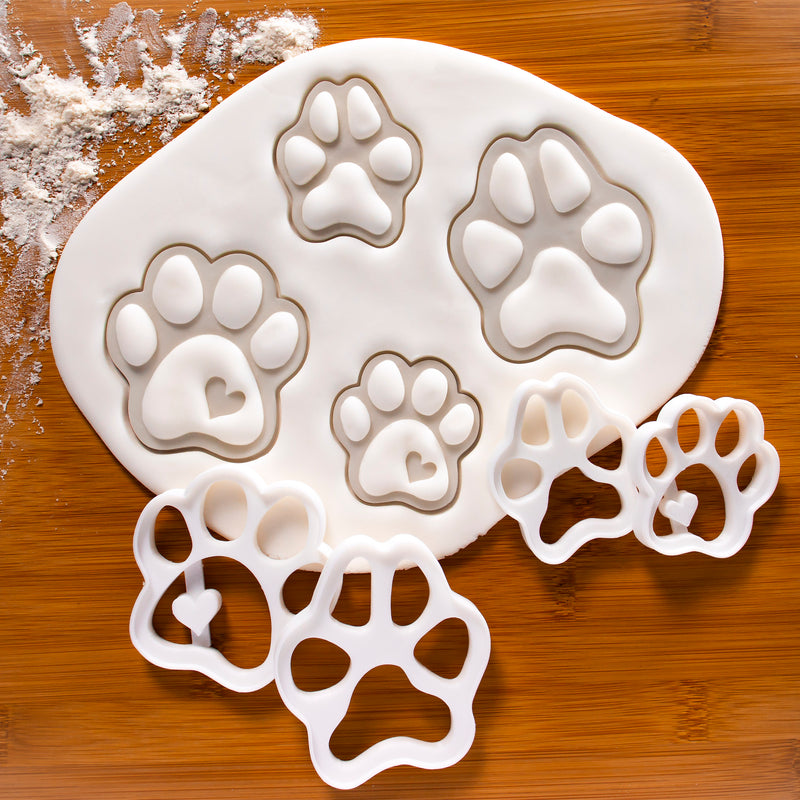 Set of 4 Dog paw cookie cutters (Realistic & Cute)