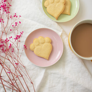Large Dog Paw with Heart Shaped Pad Cookies