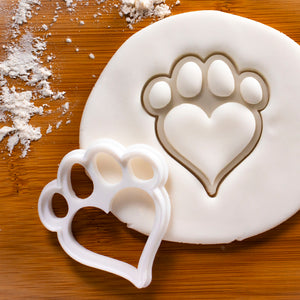 Small Dog Paw with Heart Shaped Pad Cookie Cutter