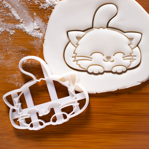 Cute smiley cat cookie cutter