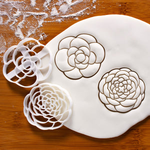 Set of 2 flower cookie cutters, featuring a simple and a complex designed camellia flowers pressed on fondant