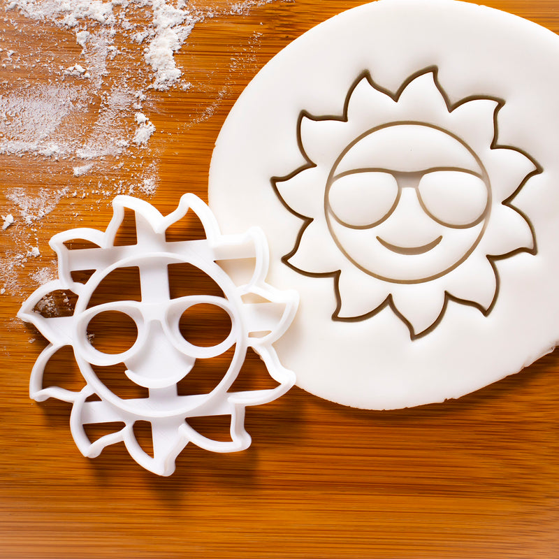 happy smiling sunshine cookie cutter