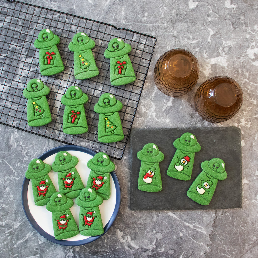 Set of 4 UFO Christmas Abduction Cookies (Abducts Santa Claus, Present, Snowman, and Xmas Tree)