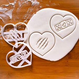 Set of 2 Cookie Cutters: Heart with Bandage / Claws