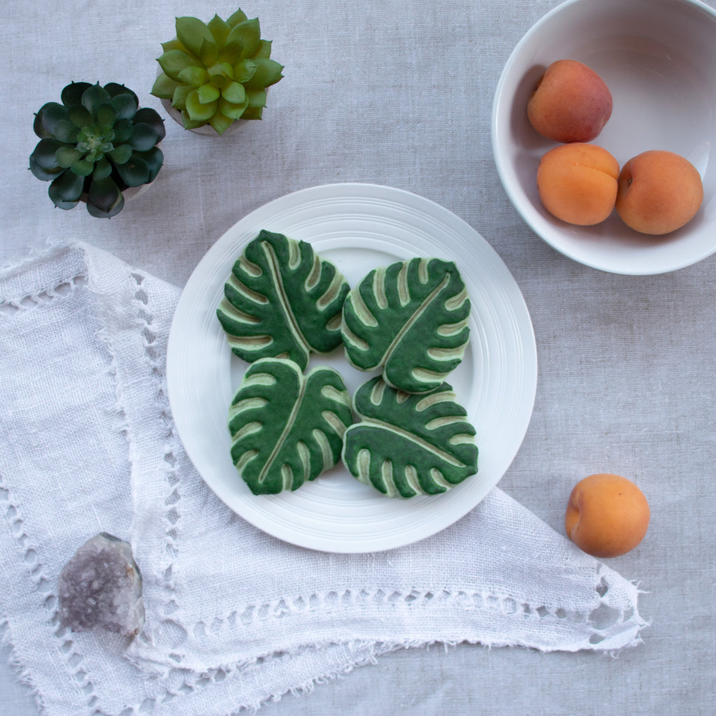 monstera leaf cookies
