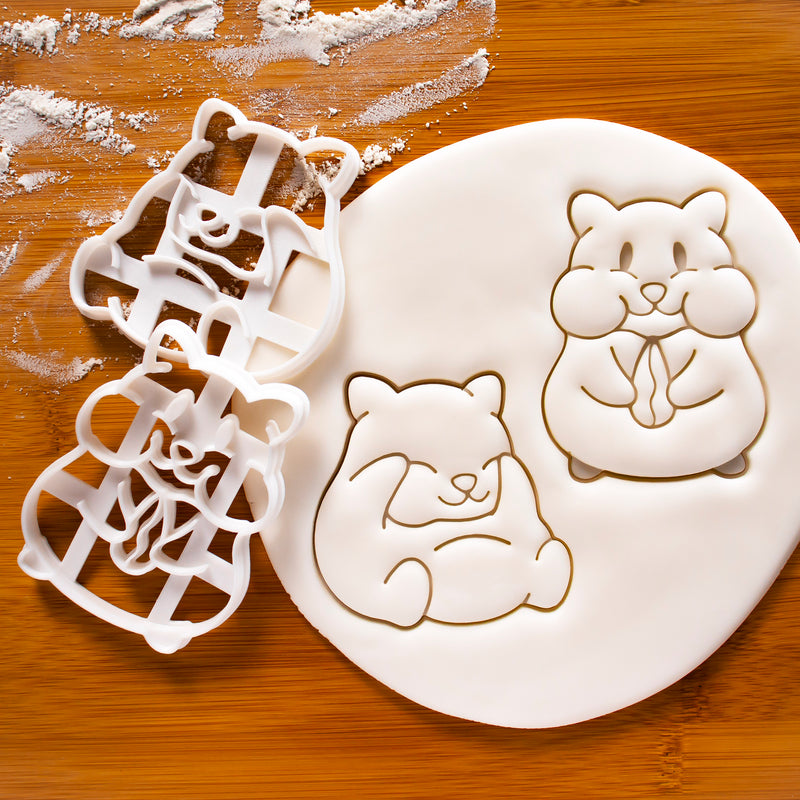 Set of 2 Hamster Cookie Cutters: Eating and Grooming