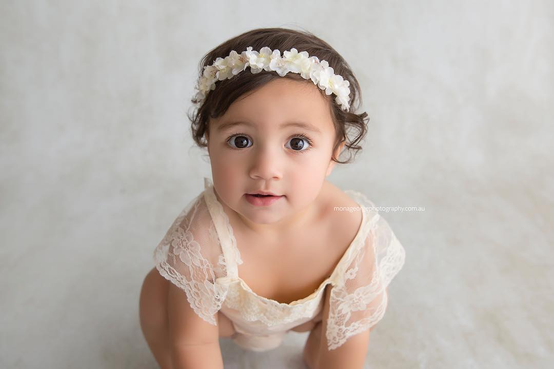 """Cream n lace"" Sitter Photography Prop Romper"