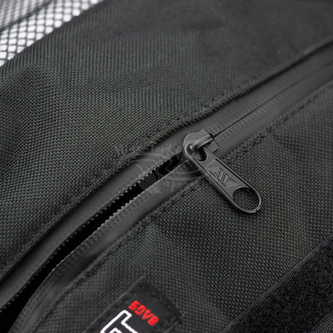avert travel bag with carbon lining and physical barrier zip