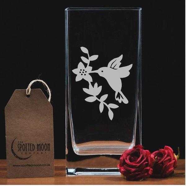 A beautiful hummingbird engraved glass vase - The Spotted Moon Company