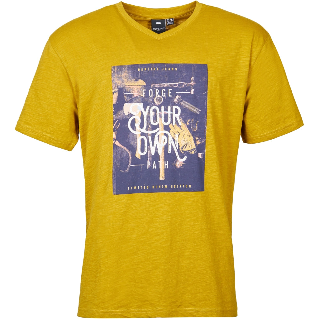 North 56°4 / Replika Jeans (Big & Tall) REPLIKA JEANS Printed v-neck t-shirt T-shirt 0759 Mustard