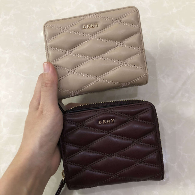 14e6521813203 DKNY QUILTED PINSTRIPE CARRYALL SMALL WALLET