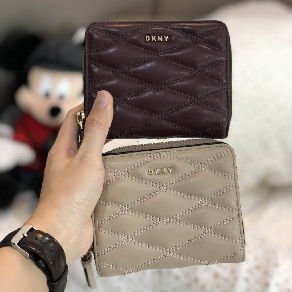 DKNY QUILTED PINSTRIPE CARRYALL SMALL WALLET - Lovely Madness