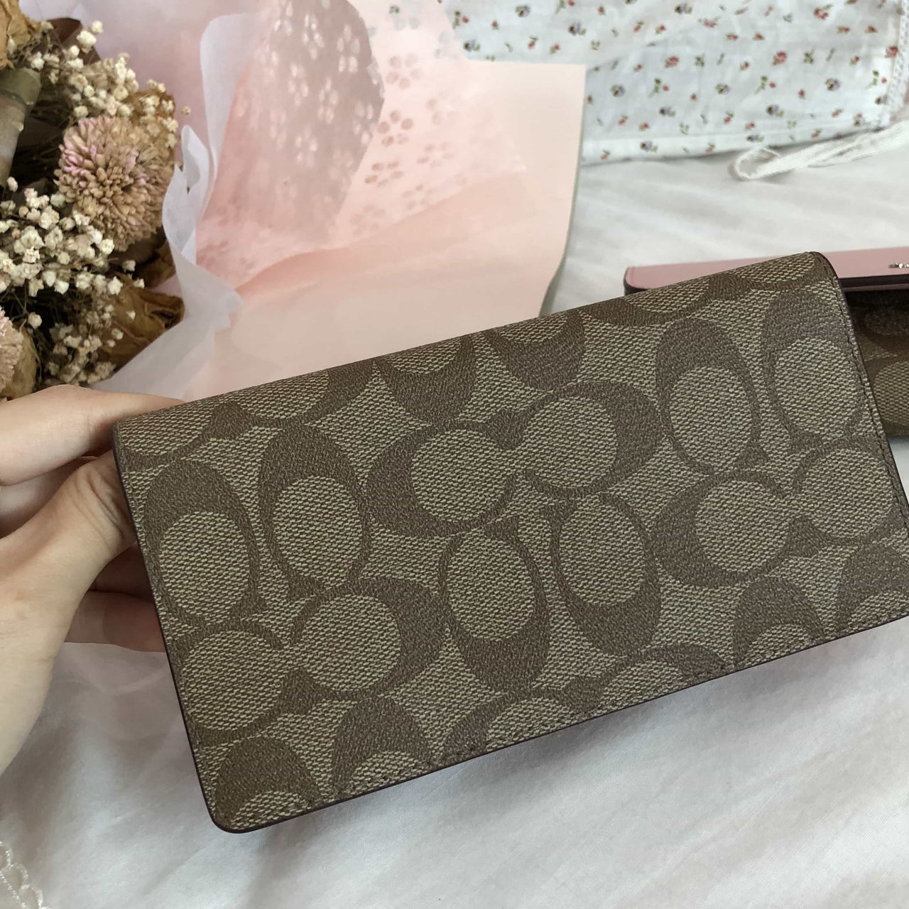 COACH SIGNATURE PVC CHECKBOOK WALLET - Lovely Madness