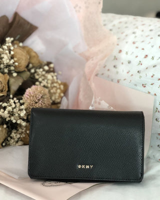 DKNY BRYANT PARK MEDIUM WALLET - LovelyMadness Clothing Online Fashion Malaysia