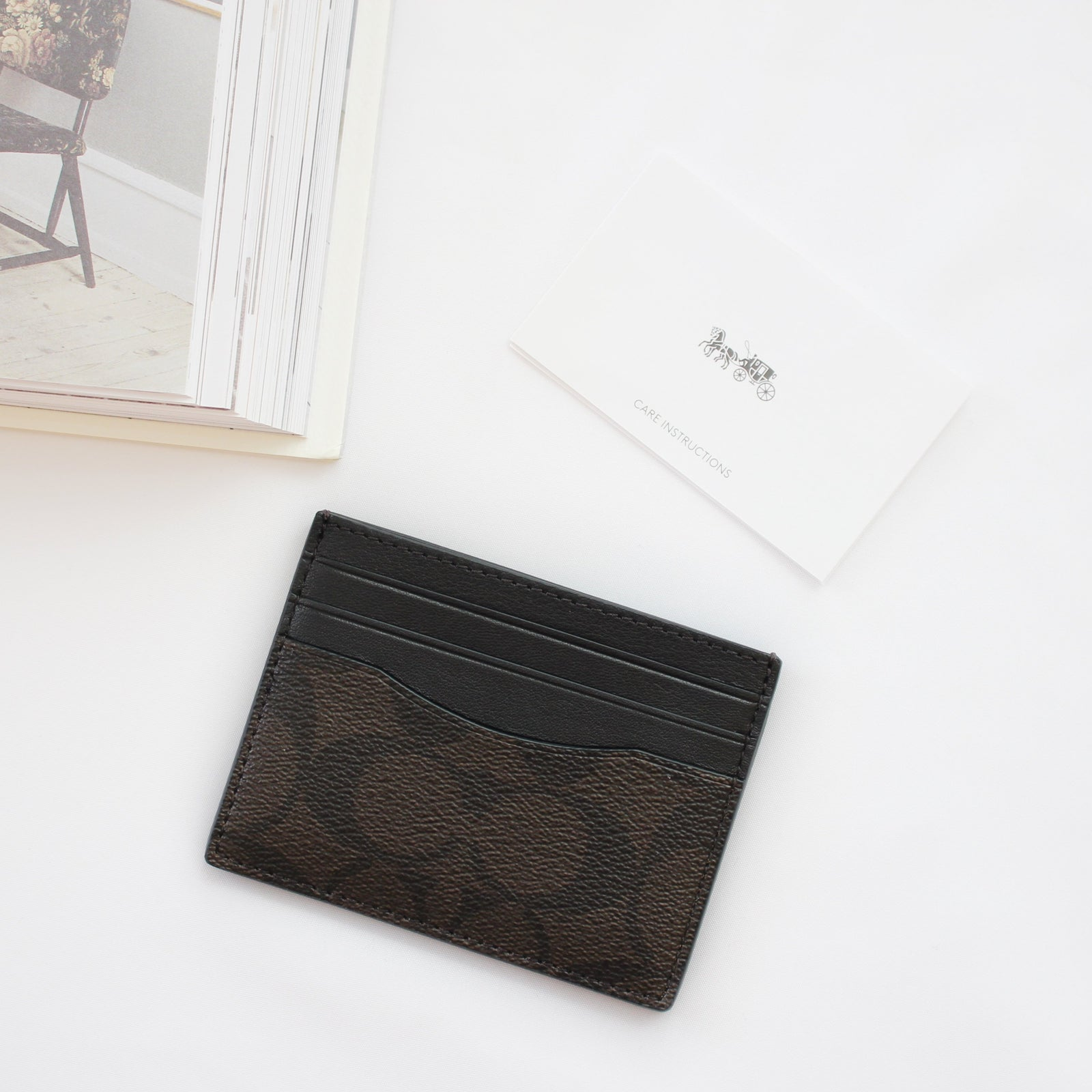 COACH SIGNATURE SLIM CARD CASE