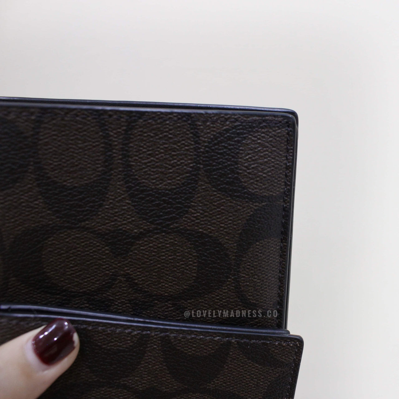 COACH COMPACT ID WALLET IN SIGNATURE - Lovely Madness