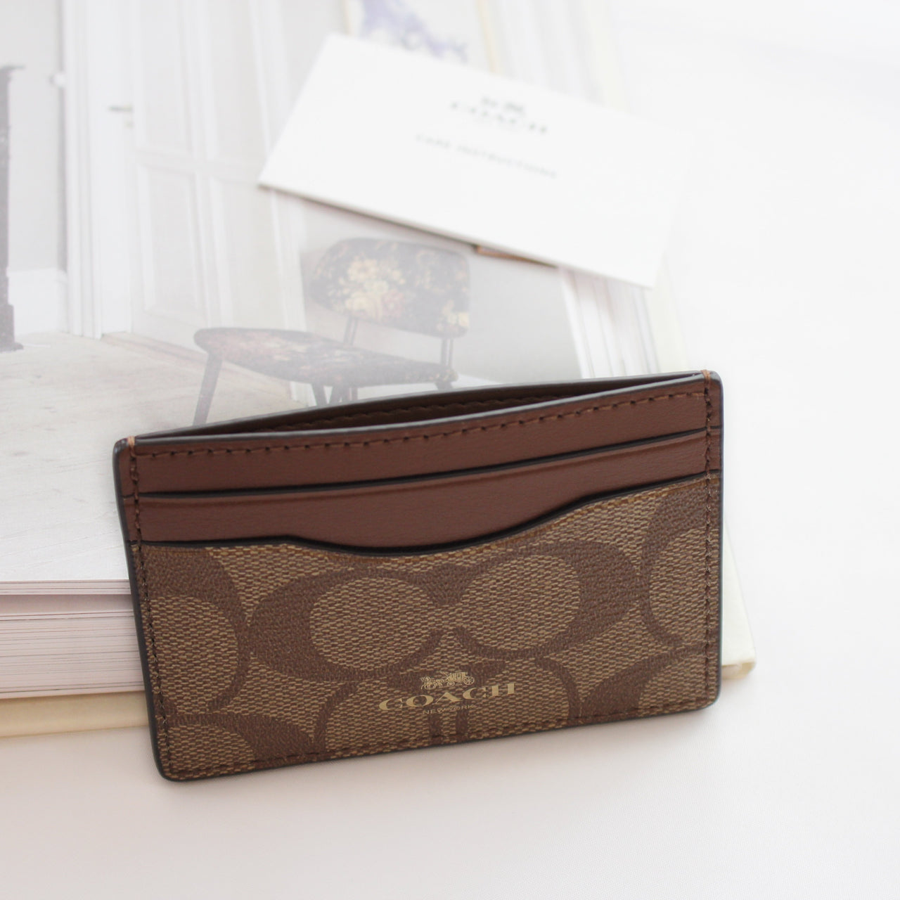COACH CARD CASE IN SIGNATURE CANVAS - Lovely Madness