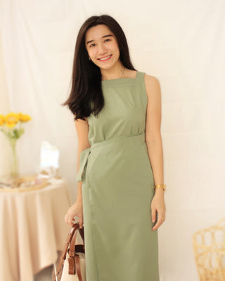 KOREAN GREEN HALTER DRESS