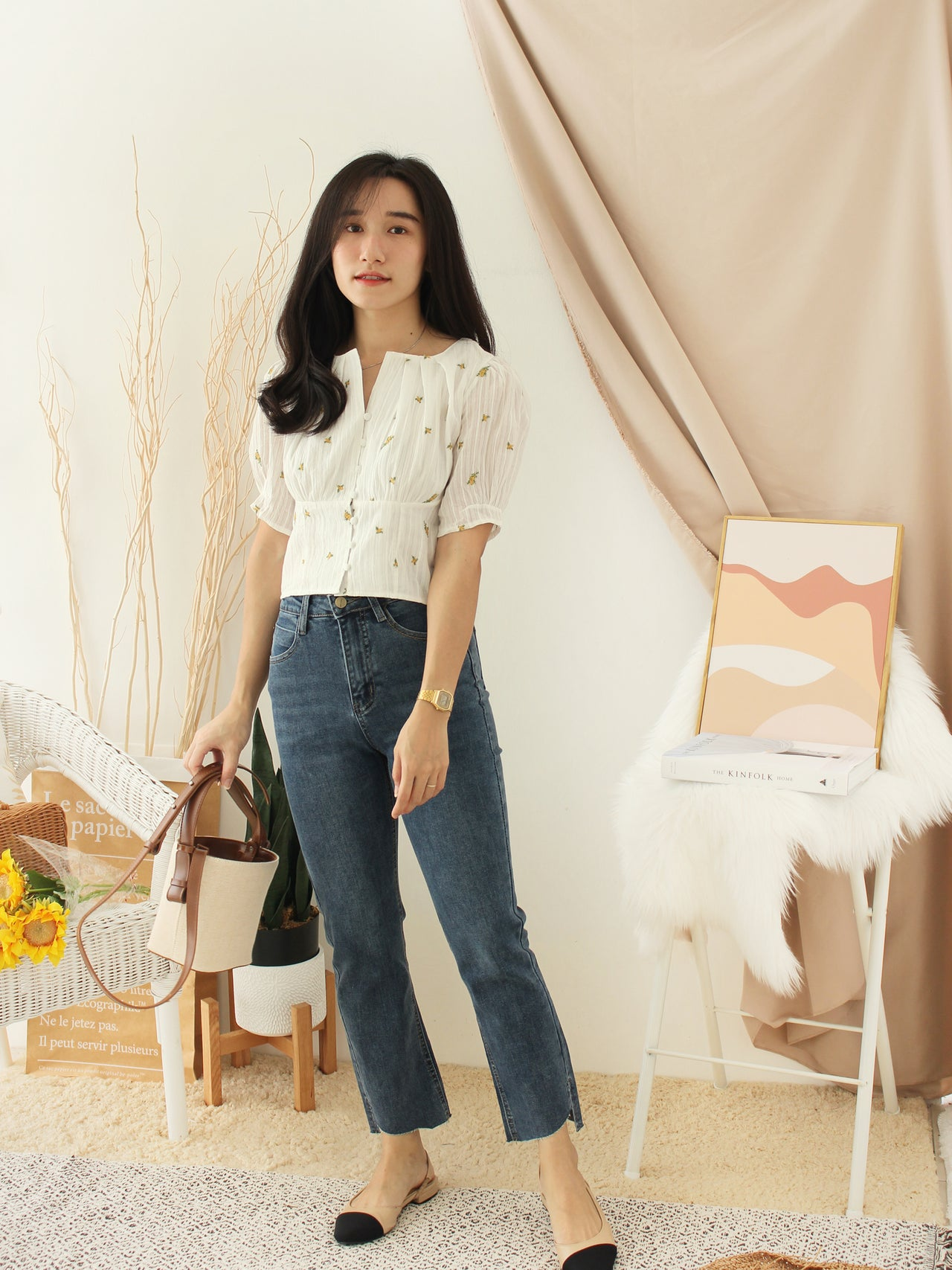 DAISY Embroidery Top