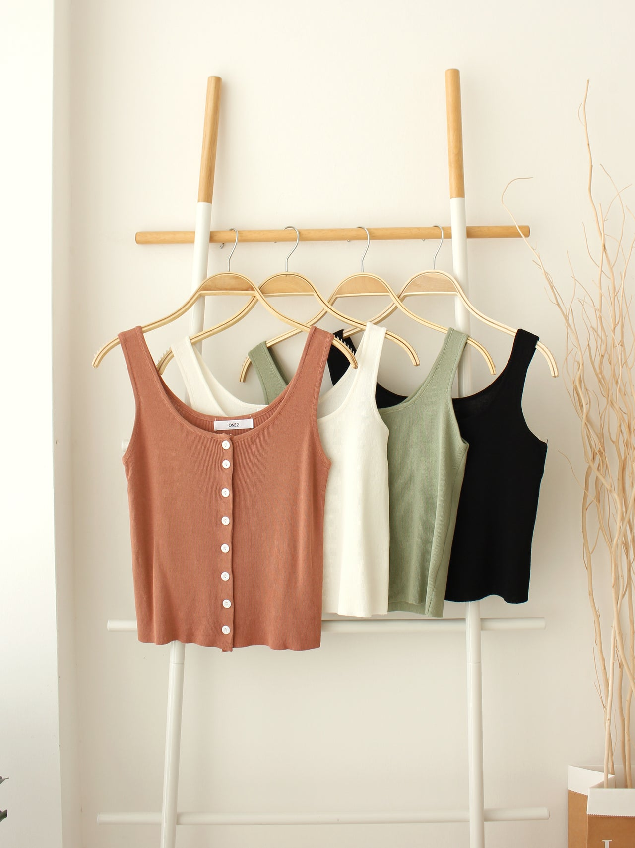 HADA Button Tank Top