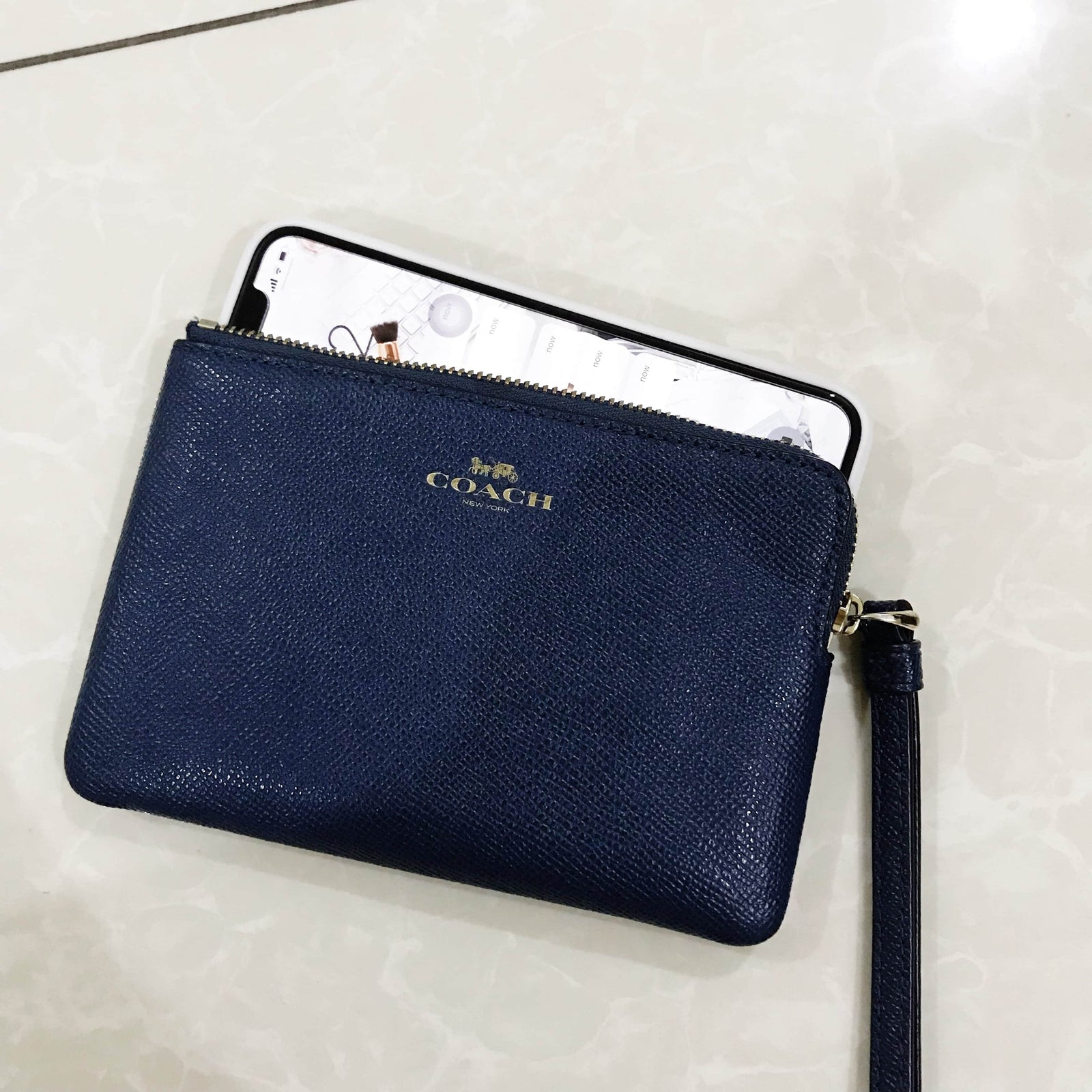 COACH CORNER ZIP WRISTLET IN CROSSGRAIN LEATHER
