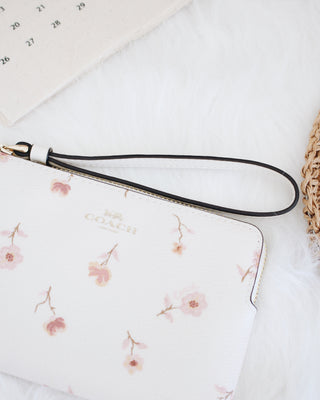 COACH CORNER ZIP WRISTLET WITH VINTAGE PRAIRIE PRINT - LovelyMadness Clothing Online Fashion Malaysia