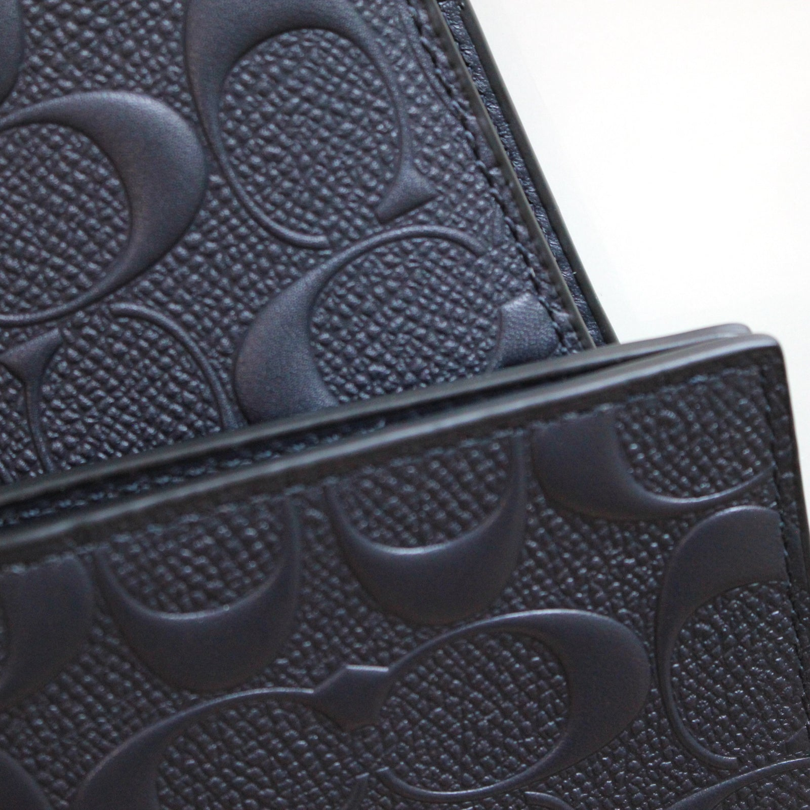 COACH COMPACT ID WALLET IN SIGNATURE CROSSGRAIN LEATHER