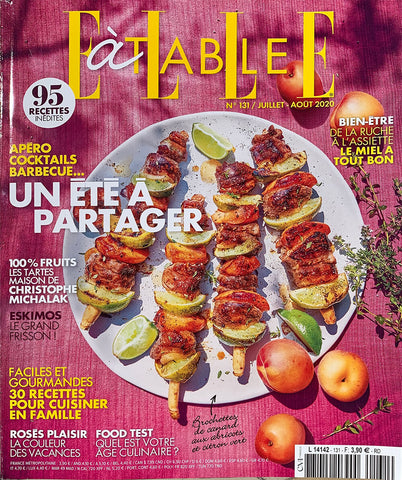 Elle à Table Couverture