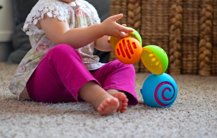 Fat Brain Toys OombeeBall - Elegant Mommy