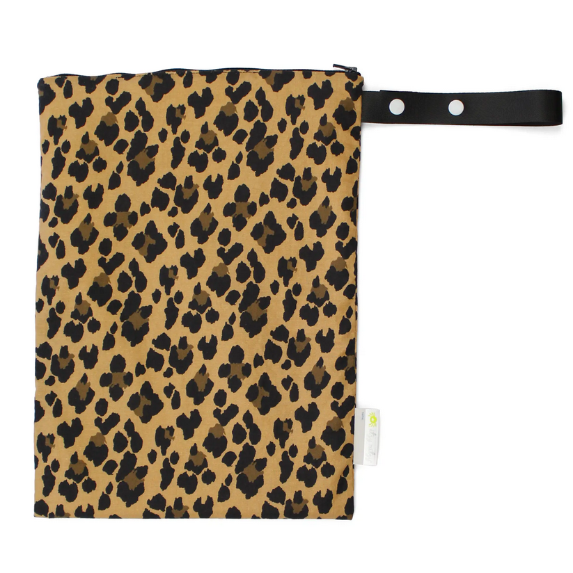 Itzy Ritzy M Wet Bag Leopard - Elegant Mommy