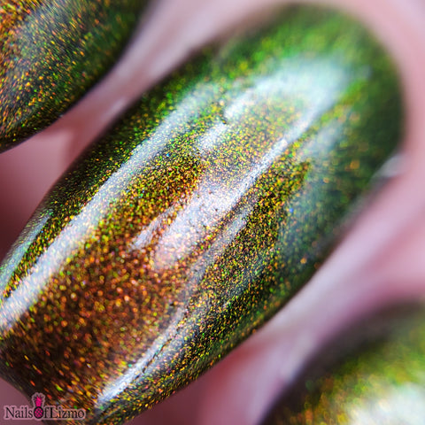 Autumn Prism – an aurora shimmer that moves through tones of red, green and gold